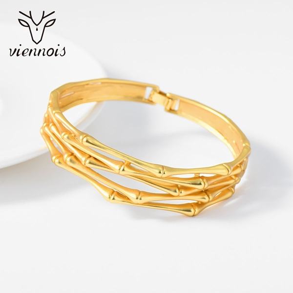 Picture of Sparkling Classic Gold Plated Fashion Bracelet